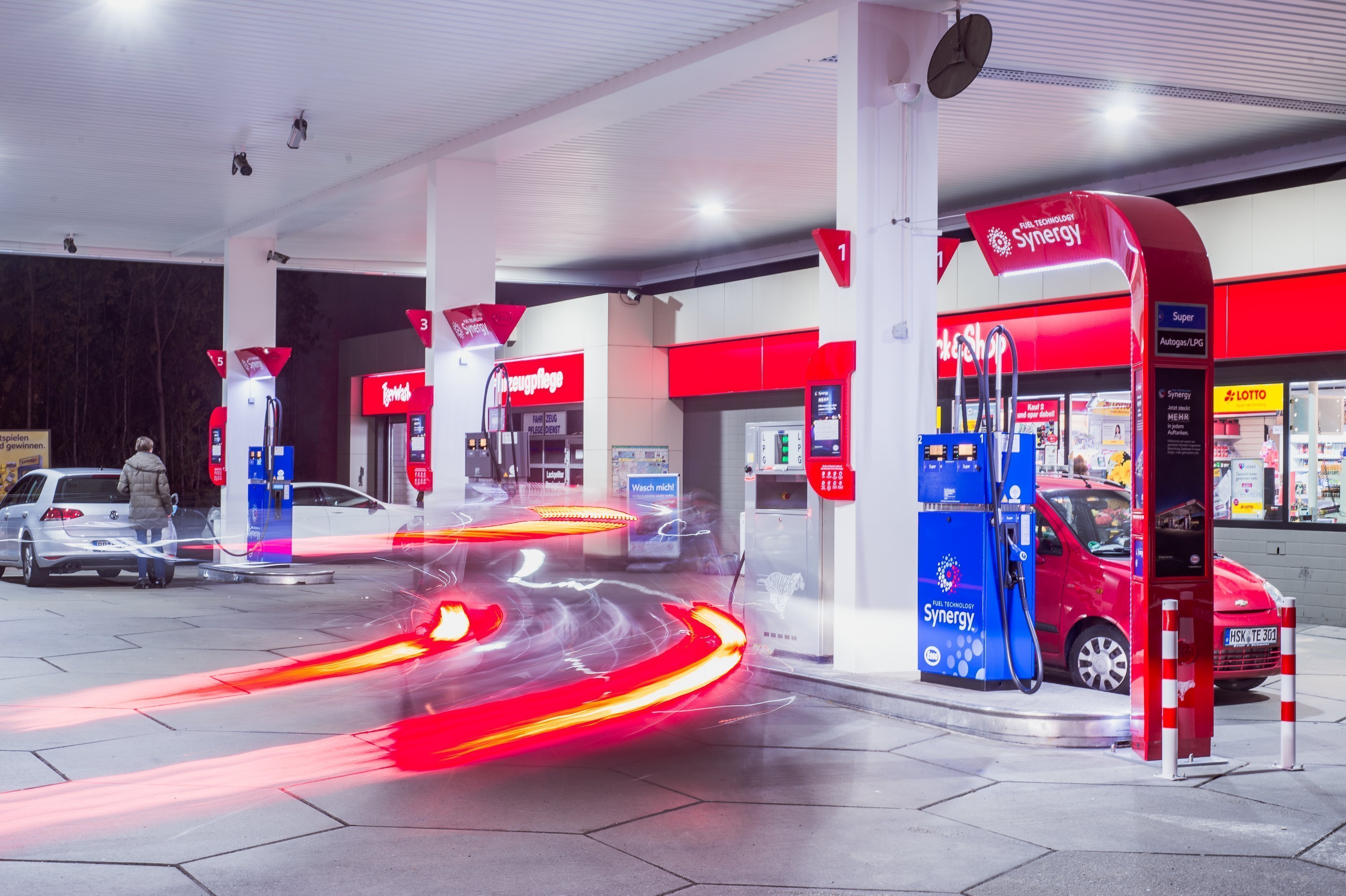 Distinctly Different Benefits of the Esso fleetcard